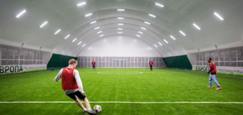 Футбольные поля. Футбольные стадионы. Строительство футбольных манежей.