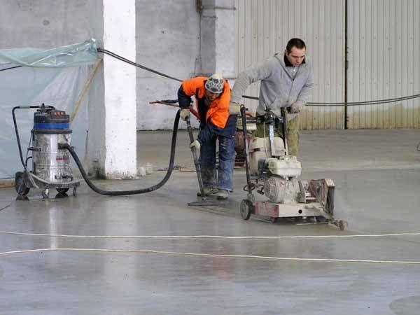 Нарезка швов в бетонном полу