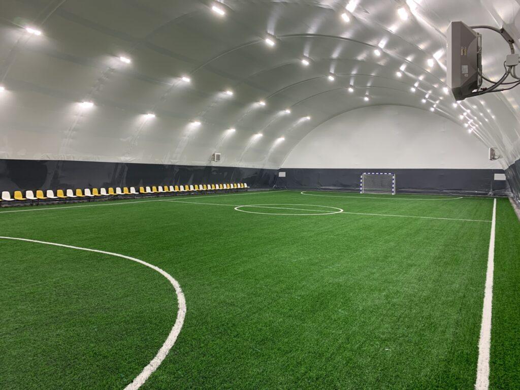 Крытый утепленный футбольный манеж